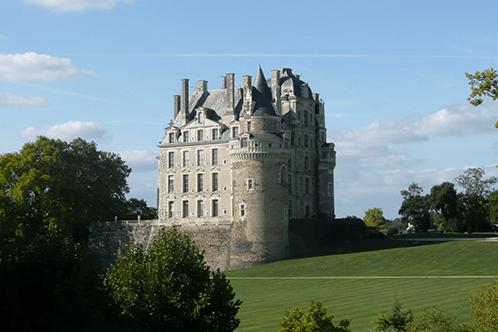chateau-brissac-vue-jardin